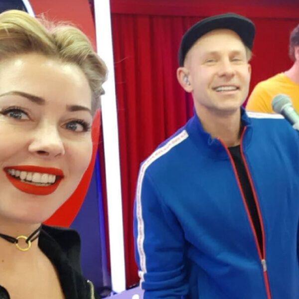 Онлайн-концерт Мити Фомина и группы Hi-Fi