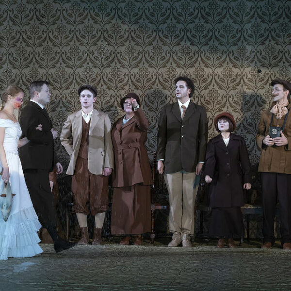 Спектакль «Мандат» Театра «На Литейном»