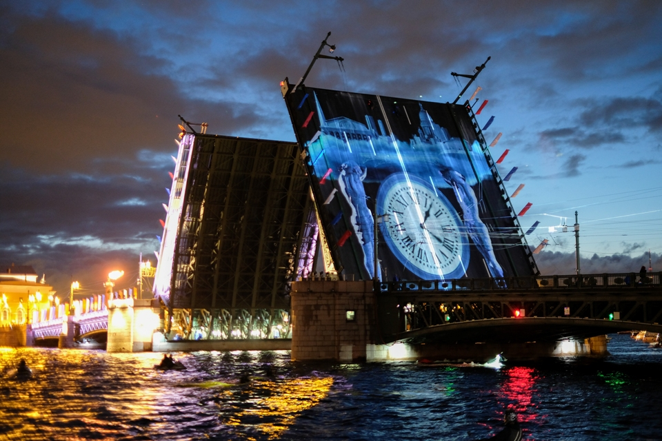 Видео разводки Дворцового моста на фестивале Довлатова 4 сентября 2021: прямая онлайн-трансляция
