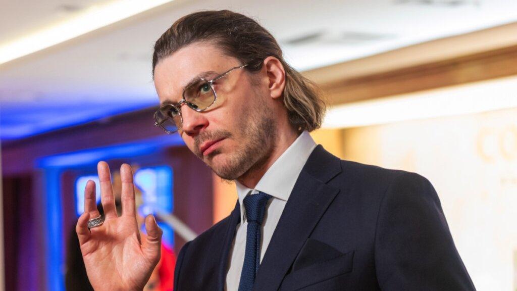 «Святые угодники!»: муж Лизы Боярской изменил внешность