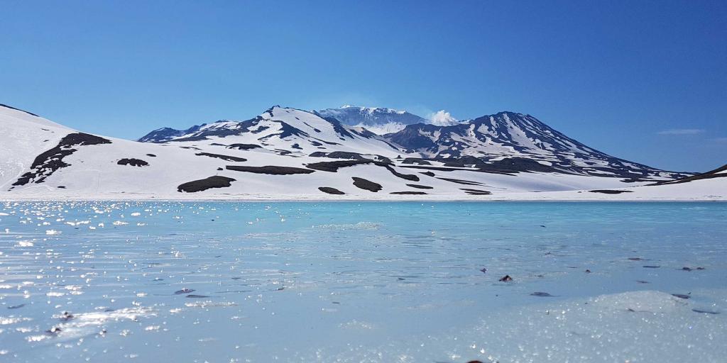 Заснеженные горы Камчатка