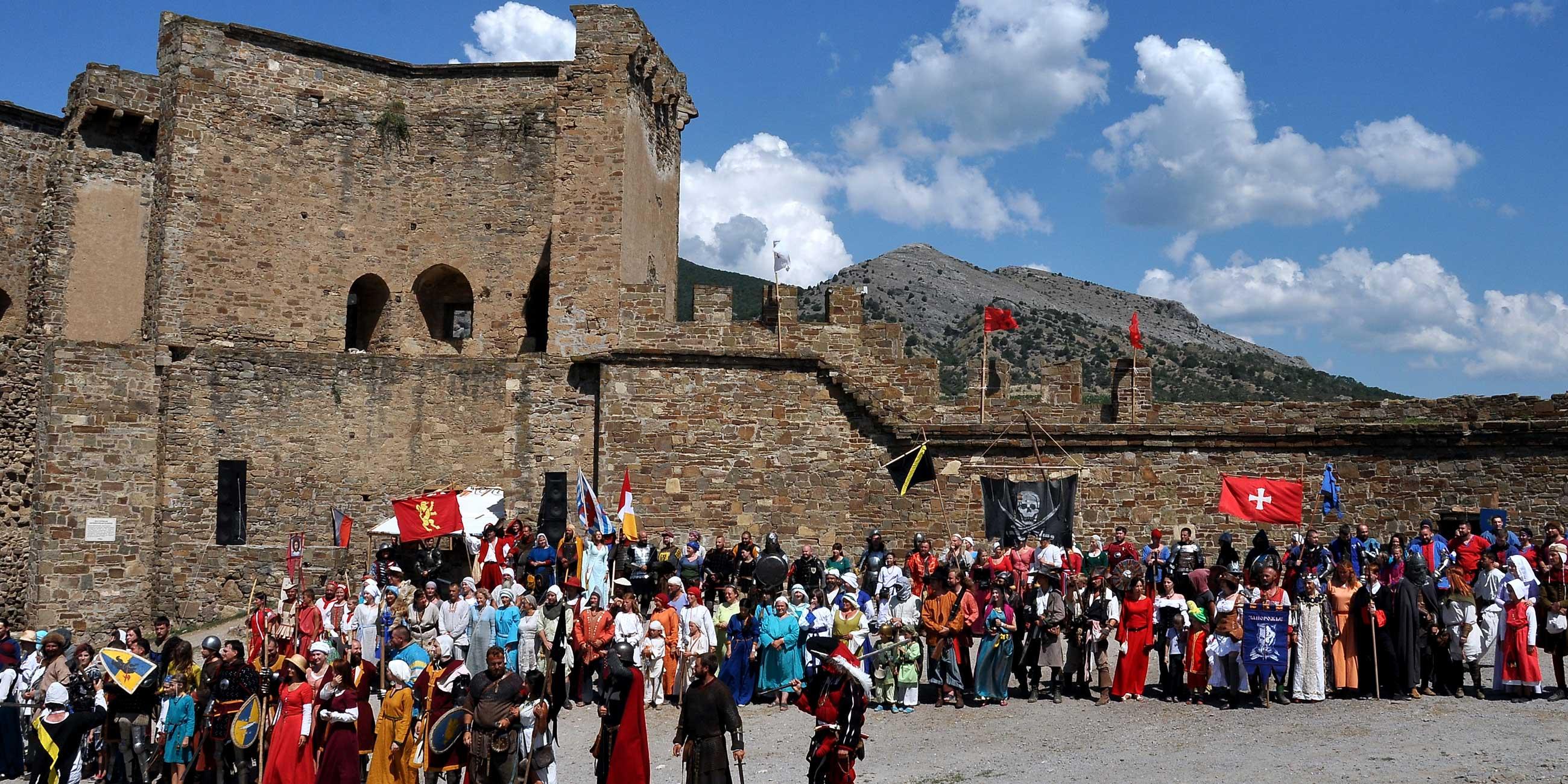 На исторических реконструкциях в Судаке можно на один день перенестись в Средневековье.Фото: Виталий ПАРУБОВ,