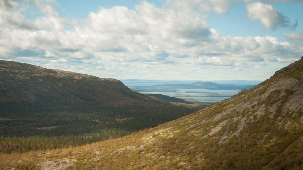 склоны горы Юдычвумчорр хибины