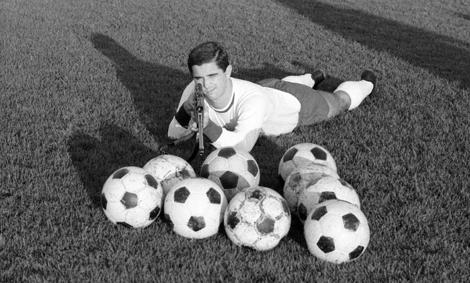 Герд Мюллер был выдающимся футбольным снайпером. Фото: Global Look Press