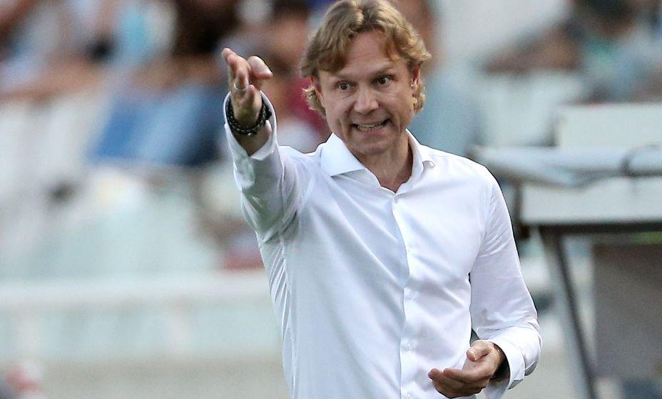 Валерий Карпин постепенно привыкает к работе в сборной. Фото: Reuters